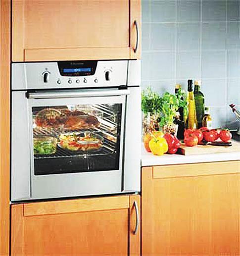 Духовой шкаф на кухне фото